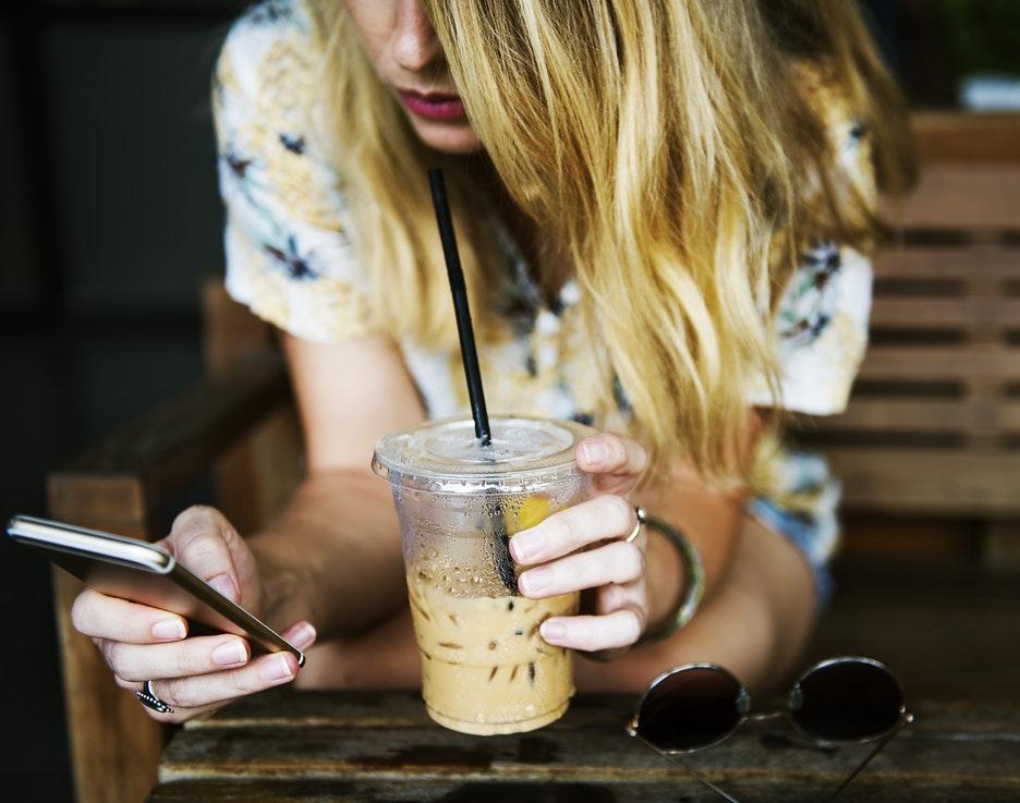 e27d9d7b2346af Comment interpréter ses SMS ou son absence de réponse   Faut-il le relancer  une dernière fois   Découvrez la réponse que nous apportons à notre  lectrice ...
